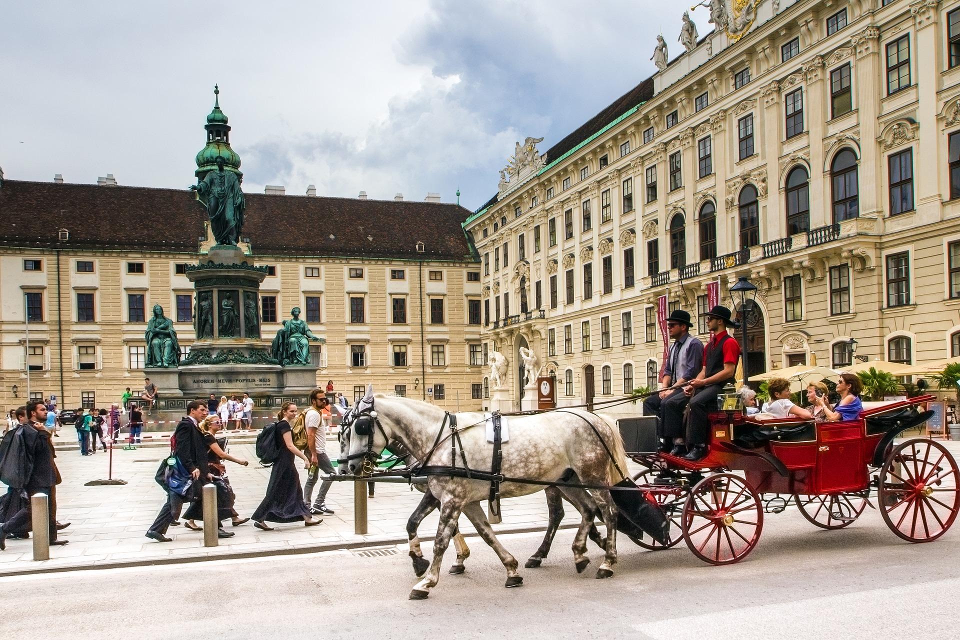 ECM32 will be held in Vienna!